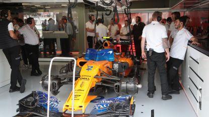 Onze F1-watcher ziet weer merkwaardig tafereel bij McLaren: terwijl Alonso rondjes trekt, staat MCL33 van Stoffel in de garage. Zonder banden