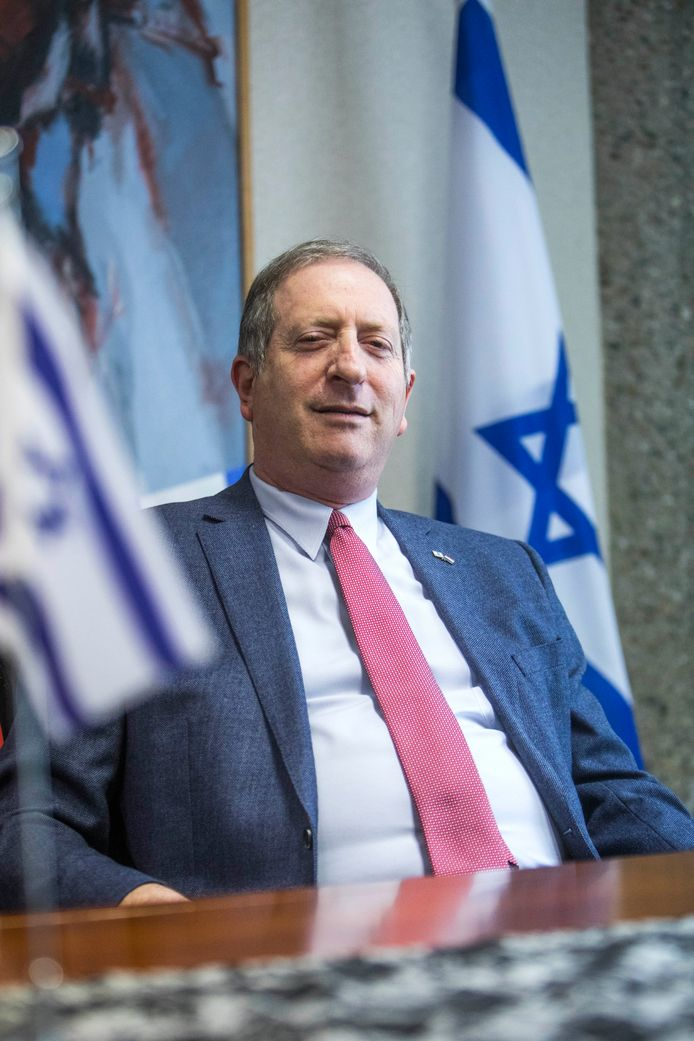 Ambassadeur Aviv Shir-On is niet blij met de negatieve publieke opinie. ,,Er wordt bewust een fout beeld geschetst, dat we sjoemelen met de regels.''