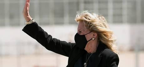 """Les collants de Jill Biden au cœur d'un débat: """"Un accessoire vulgaire et embarrassant"""""""