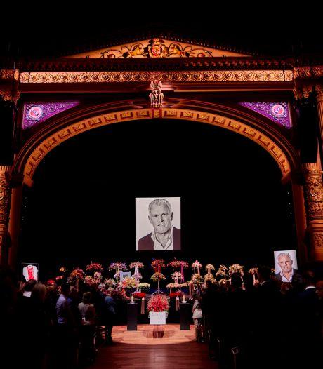 Familie en vrienden nemen afscheid van Peter R. de Vries: 'Het was een perfecte dienst'