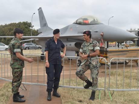 F16 strandt aan Vlissingse kust