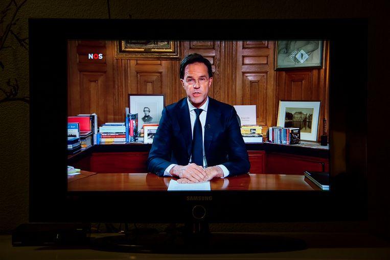 Minister-president Mark Rutte hield live op tv een toespraak over het coronavirus.  Beeld BSR Agency