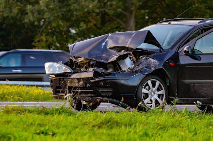 Een van de auto's die betrokken waren bij ongevallen op de A28.