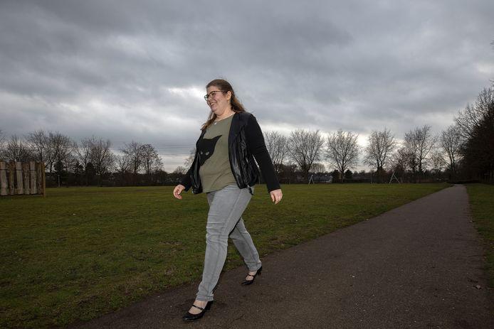 """Laura Derks wandelt elke dag een kilometer of vier, vijf. ,,Hardlopen oefen ik nog."""""""