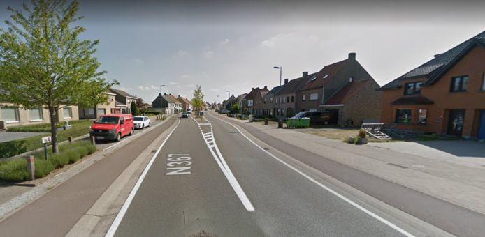 In de Gistelsesteenweg in Westkerke werd ingebroken in twee geparkeerde bestelwagens.