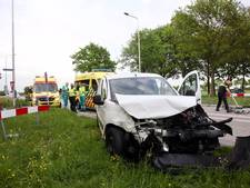 Twee mensen gewond bij aanrijding in Gilze