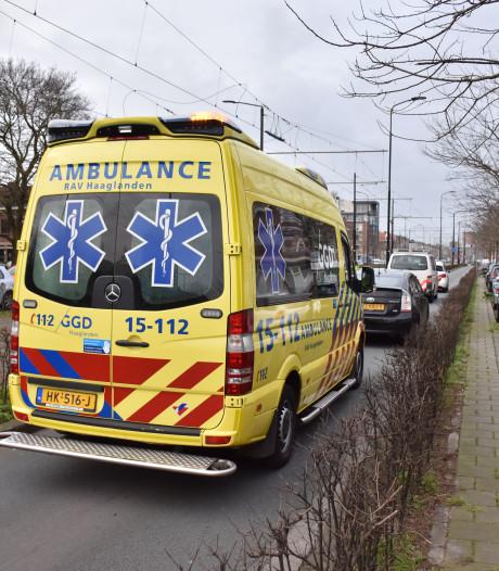 Botsing met twee auto's en politiebusje op Haagweg in Rijswijk