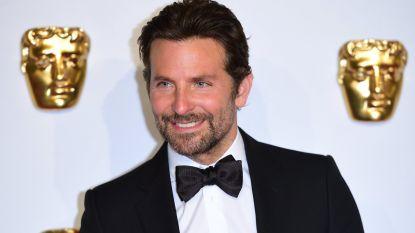 Biopics blijven hip: kruipt Bradley Cooper binnenkort in de huid van een Bee Gee?