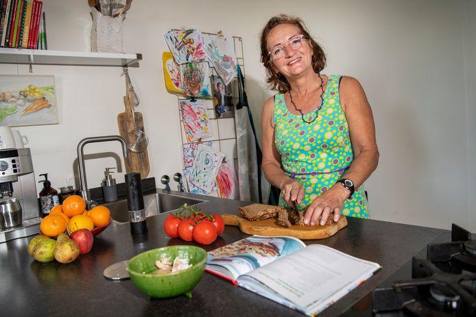 Marente Bouman (63) uit Klarenbeek is een van de 'Verspillingsvrije Helden'.