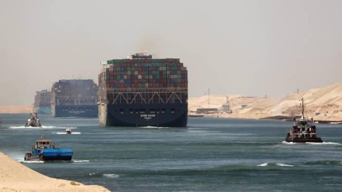 Gigantisch containerschip dat Suezkanaal in maart blokkeerde komt donderdag aan in Rotterdam