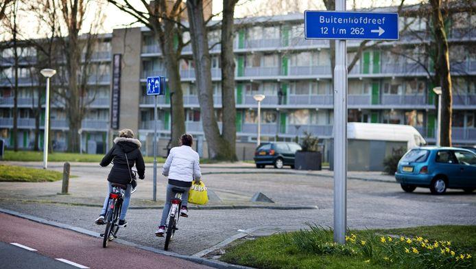 Bewoners van de wijk Buitenhof voelen zich geconfronteerd met straatbendes.