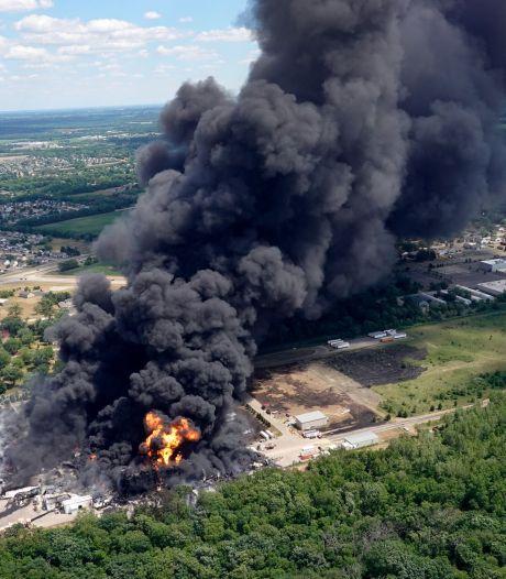 Une usine chimique Lubrizol en feu aux États-Unis