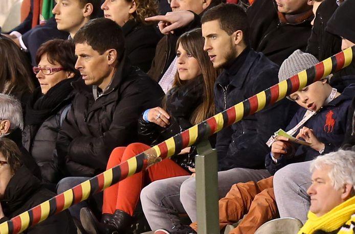 Vader en zoon Hazard samen op de tribune van het Koning Boudewijnstadion.