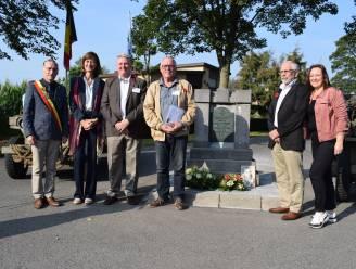 """'Assenede Vertelt' herdenkt verzetsheld Christian Verougstraete en neemt peterschap over monument op zich: """"Mogen zijn heldendaden nooit vergeten"""""""