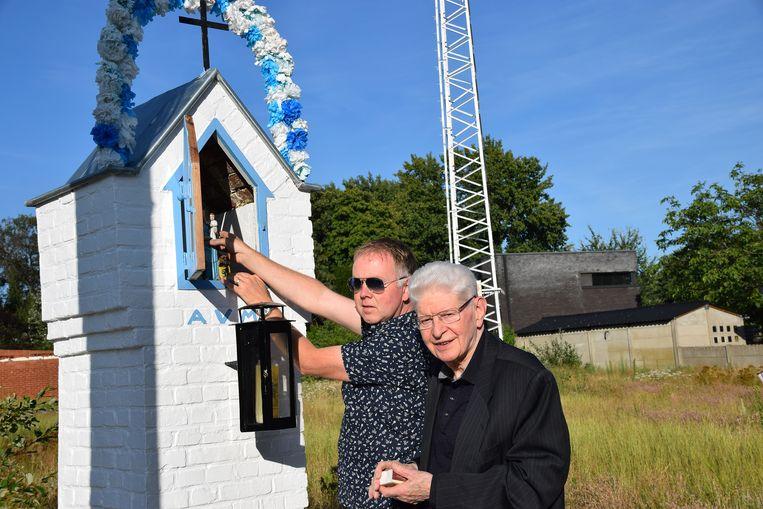 Miguel Verstrael en pastoor Frans Vandeursen