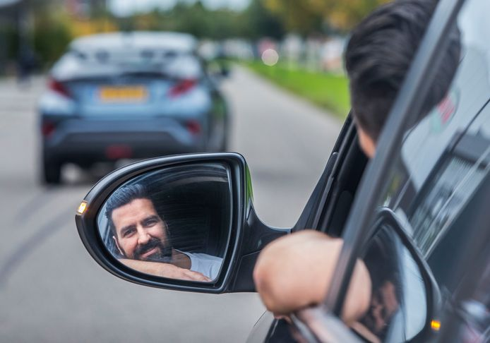 18 oktober is het de Europese dag tegen de mensenhandel. Om aandacht te vragen wil Anil met zijn auto in 24 uur 17 landen doorkruisen.