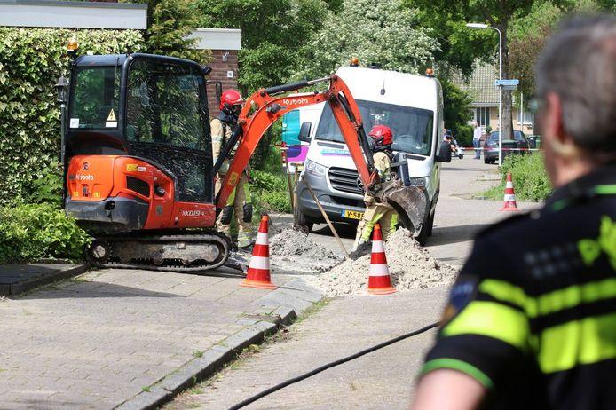 Door reparatiewerkzaamheden van Liander aan het elektriciteitsnet werd een gasleiding geraakt.