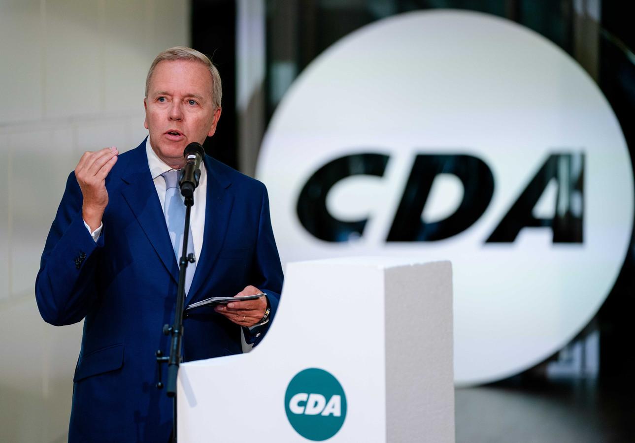 Partijvoorzitter Rutger Ploum op het partijbureau tijdens de voordracht van het CDA van De Jonge als lijsttrekker van de partij.