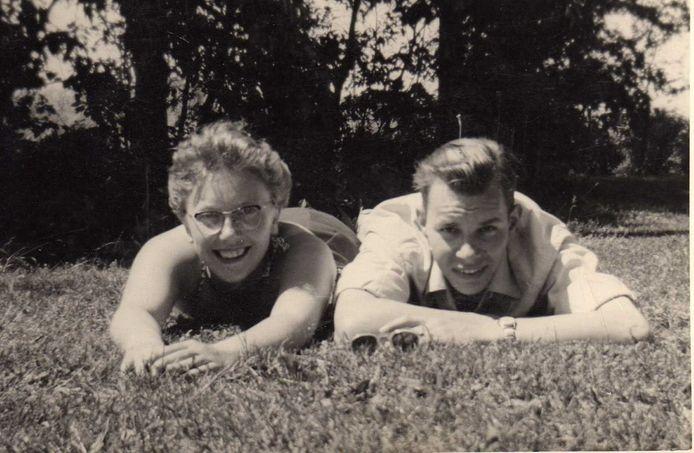 Jaap (nu 82) en Tiny (nu 85) Morgenstern-Pettinga een paar jaar voor hun huwelijk in 1961.
