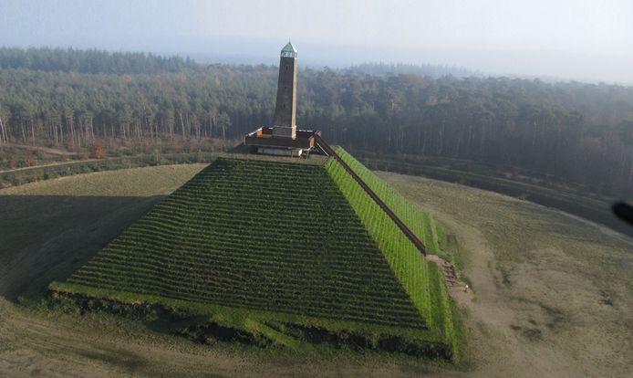 De Pyramide van Austerlitz.