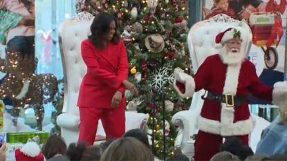 Michelle Obama danst samen met Kerstman voor zieke kinderen