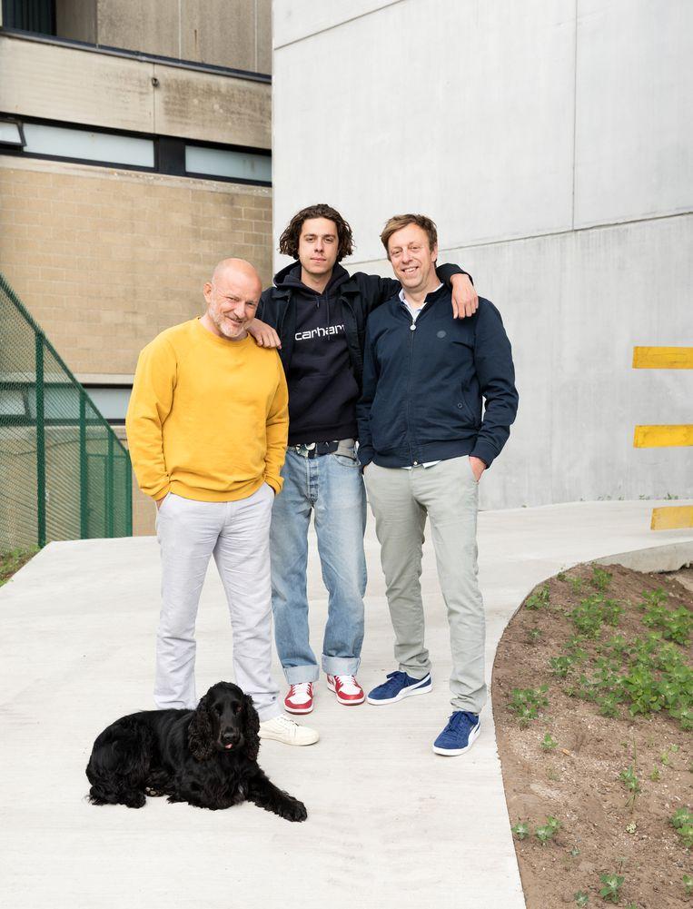 Plusvader Michael (l), Dries en vader Tom. Tom: 'Als mijn zoon bij Michael  moet opgroeien, kan ik daar helemaal mee leven, dacht ik.' Beeld Jef Jacobs