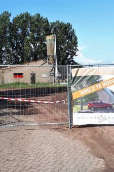 Stallen en boerderij Empelseweg maken plaats voor schuurwoningen