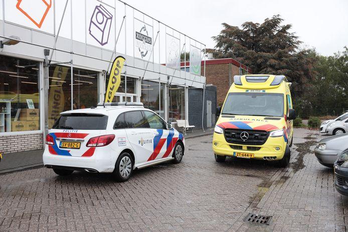 Een politie en ambulance kwamen op 29 september op de beroving in de kringloopwinkel in Ommen af.