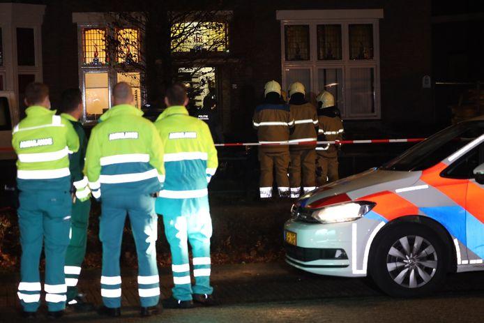 Volop hulpdiensten aanwezig in Schijndel, waar een verwarde man uiteindelijk werd aangehouden.