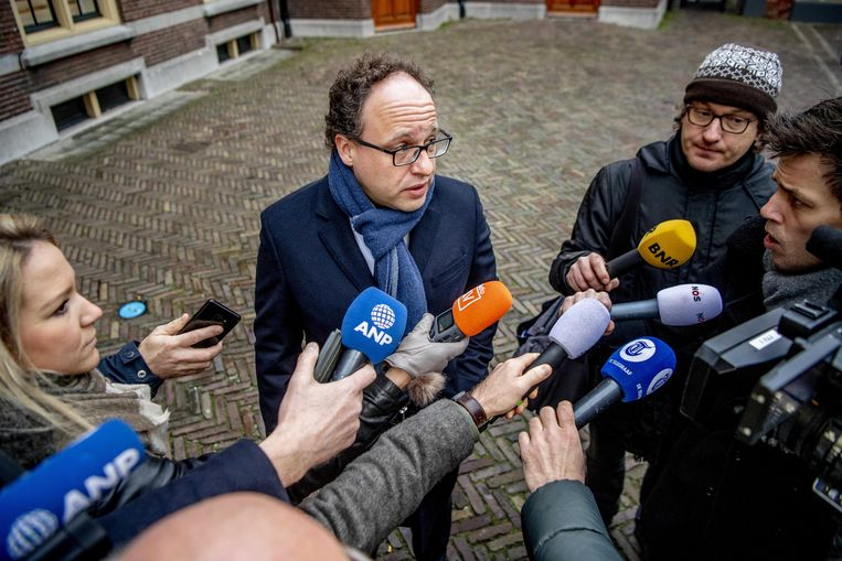Minister Wouter Koolmees van sociale zaken en werkgelegenheid (D66) op het Binnenhof. Beeld ANP