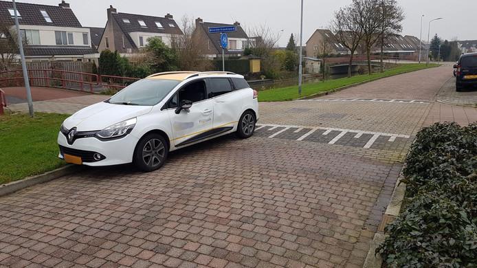 Op de kruising Terschellingstraat met de fietsoversteek op de Noorderhaakspad in Duiven heeft zaterdag een aanrijding plaatsgevonden tussen een scootmobiel en een personenauto.