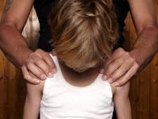 Emmeloorder krijgt 5 jaar cel voor jarenlang misbruik eigen kinderen