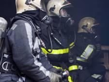 Brandweerlieden bekogeld met bierflesjes en stenen