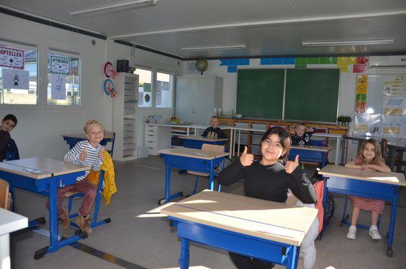 De kinderen van het eerste leerjaar zijn blij dat ze terug naar school mogen komen.