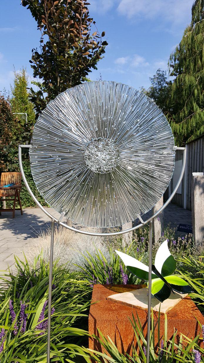 Het kunstwerk Centered van glaskunstenares Ellen Kleine Schaars uit Tubbergen.