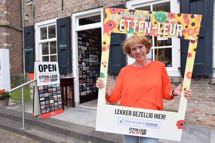 Ria Mol doet de groeten vanuit Etten-Leur.