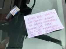 Foutparkeerder vindt nieuw condoom op auto plus briefje met bijzondere boodschap