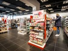LIVE | Reiswereld gaat testen met proefvakantie, winkelbranche: Koppel oppervlak aan aantal klanten