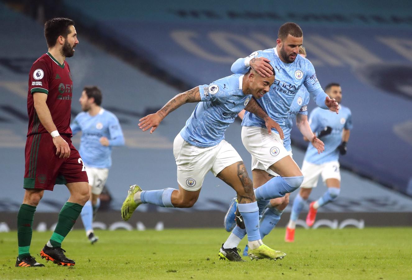 Gabriel Jesus maakte in de slotfase de 2-1 en 4-1 voor City.