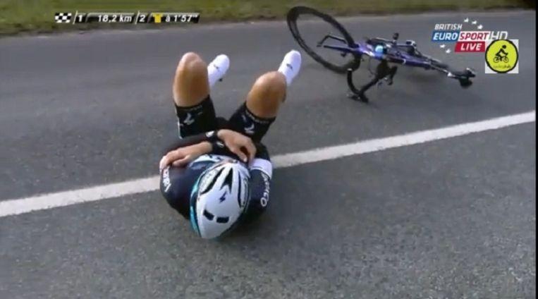 Tom Boonen brak wellicht zijn sleutelbeen na een harde val. Beeld YouTube