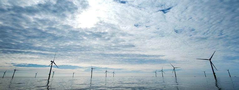 Windmolens, 23 kilometer uit de kust ter hoogte van het strand tussen Zandvoort en Noordwijk. Beeld ANP