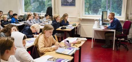 Leerlingen bibberen van de kou op deze school in Apeldoorn: 'Dit is onverantwoord'