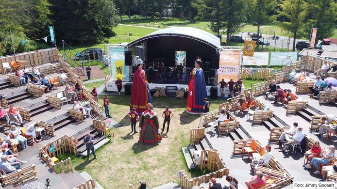'Vlaanderen Feest viREUSvrij' schenkt winst aan de slachtoffers van de overstromingen.