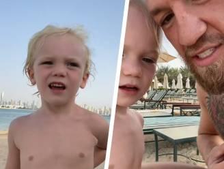 """Bizarre peptalk van Conor McGregor voor zoontje (3) doet wenkbrauwen fronsen: """"Sla hem in z'n gezicht"""""""