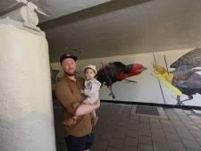 Streetart in tunneltje in Stratum, 'Exoten die kleur geven aan het land'
