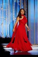 Salma Hayek sur la scène des 78e Golden Globes, qui se tenaient cette année au Rockefeller Center de New York.