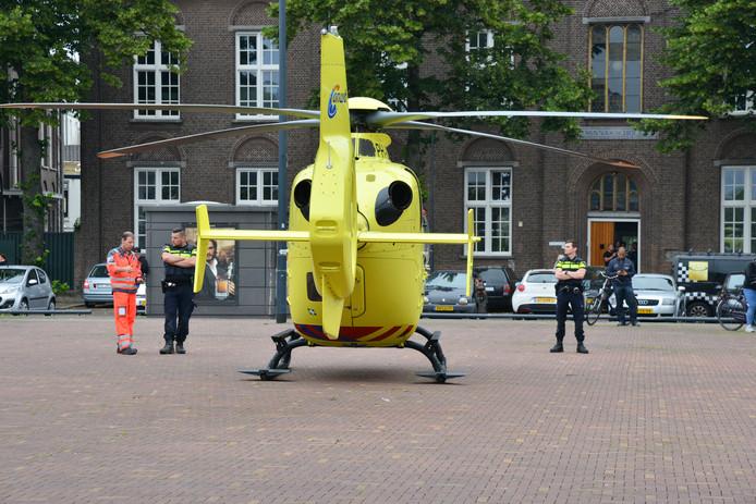 Een traumaheli kwam ter plaatse aan de Schans in Breda.