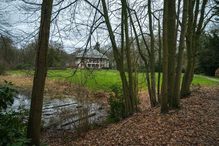 Vooral het gedeelte tussen het speelbos en sportcentrum De Leeuw en het deel richting de villa zullen onder handen genomen worden, in totaal een gebied van vijf hectare.