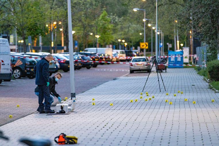 In de Maassluisstraat in Nieuw-West vond zondagavond een schietpartij plaats.  Beeld Hollandse Hoogte / Novum RegioFoto