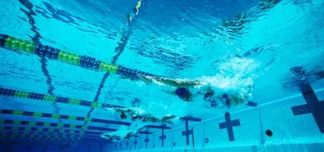 Zwemscholen dreigen te verzuipen: 'Verschrikkelijk als ik me na 26 jaar om moet laten scholen'